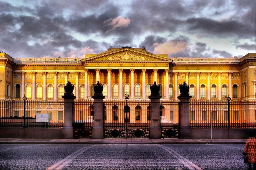 Музеи Московского Кремля в 2018 году посетили почти 2,9 млн человек