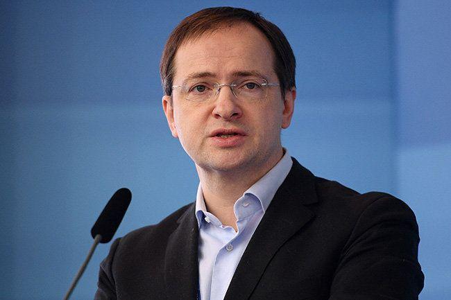 Мединский предложил отдавать приоритет российскому кино на 9 мая и 4 ноября