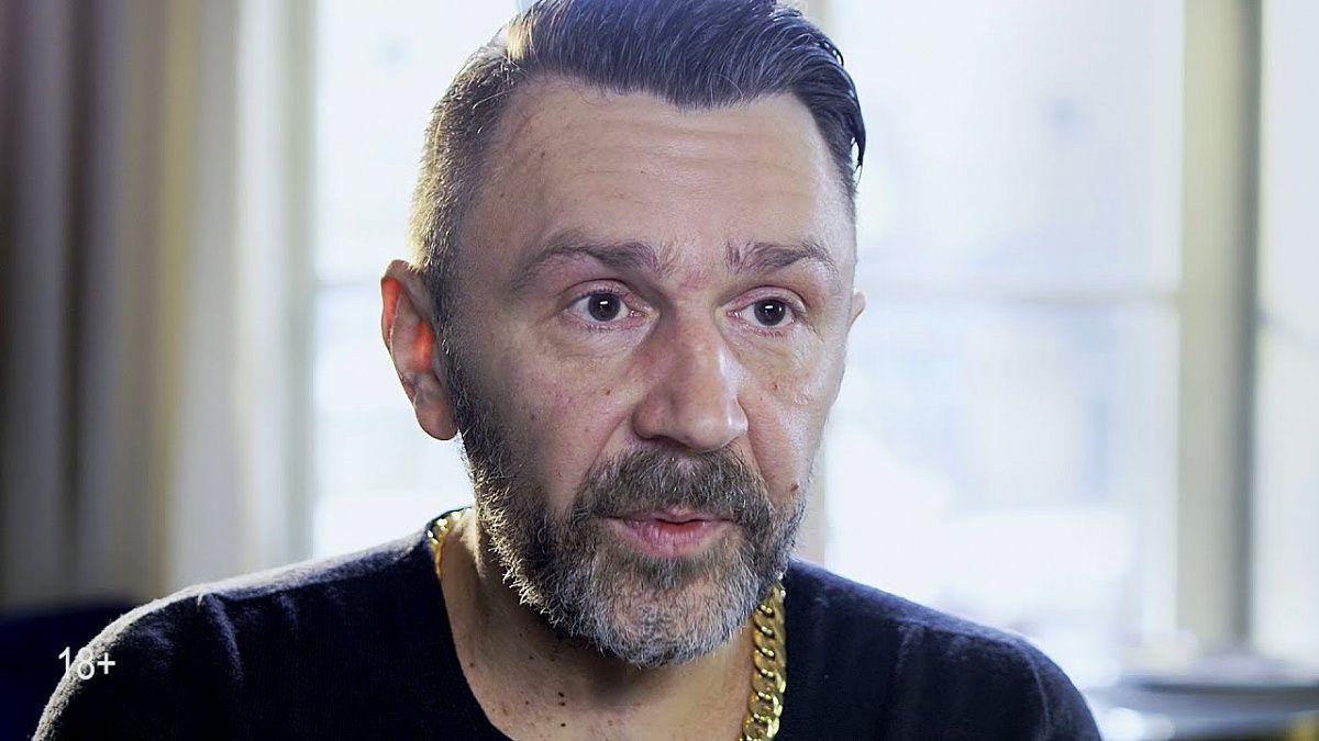 Новосибирский суд частично удовлетворил иск к Шнурову за нецензурную брань на концерте